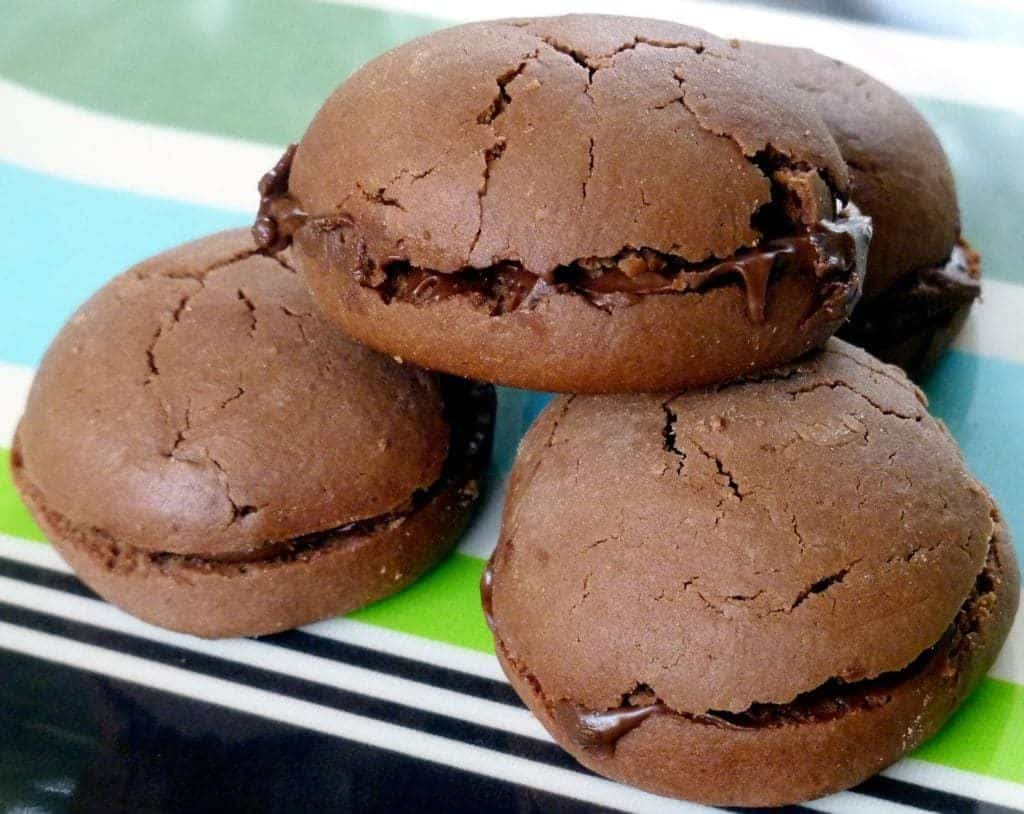 3 ingredient chocolate hazelnut cookies