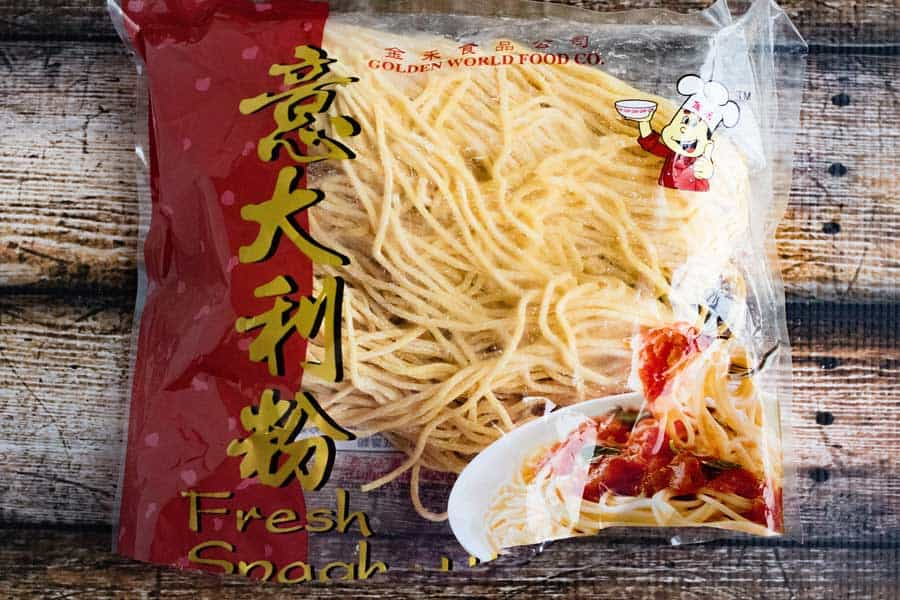 fresh chinese noodles in package